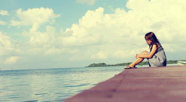 sky-girl-relaxing-soaking